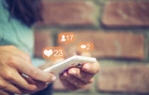 Kiểm soát mạng xã hội